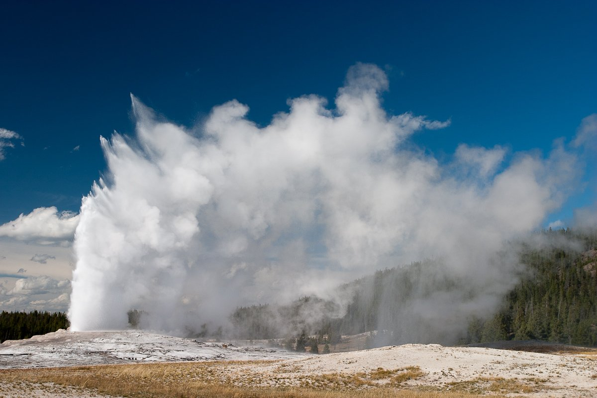 050 Yellowstone_CRW_3696-2.jpg